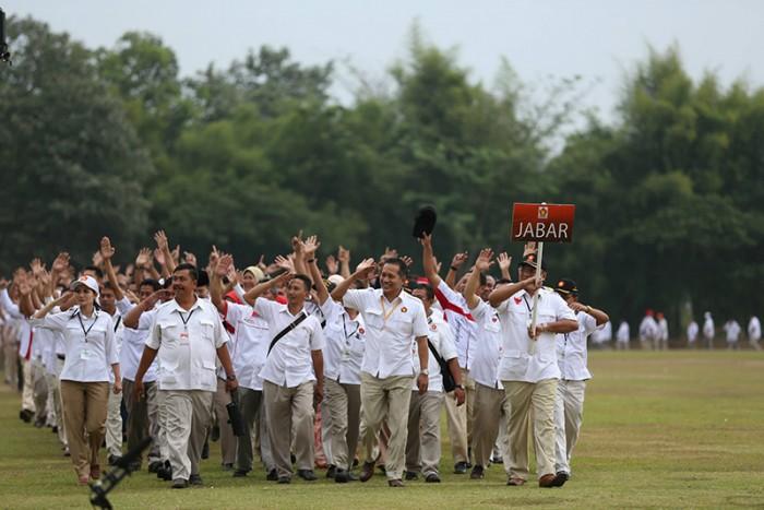http://fadlizon.com/uploads/berita/Apel-Nasional-Kader-Partai-Gerindra-2-700x467.jpg