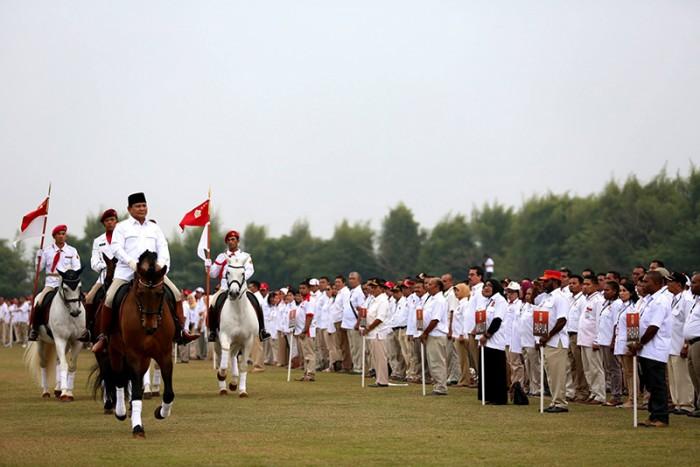 http://fadlizon.com/uploads/berita/Apel-Nasional-Kader-Partai-Gerindra-5-700x467.jpg