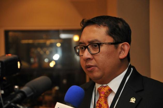 Fadli Zon Tak Percaya Tuduhan Teroris ke Munarman