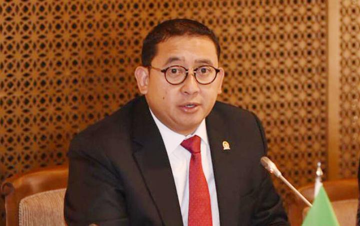 Menteri Bilang Darurat Militer, Istana Bantah Masih Darurat Kesehatan, Fadli Zon: Ngawur, Sirkus Pernyataan